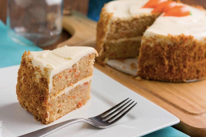 Foto de la torta de zanahoria ya lista para comer