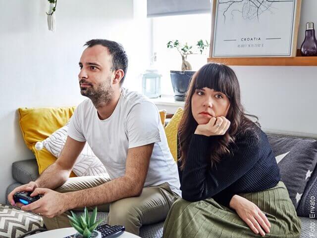 foto de pareja aburrida