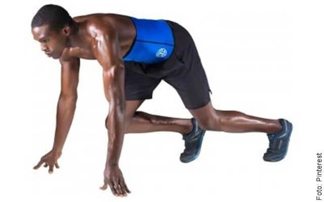 foto de un hombre haciendo ejercicio con faja