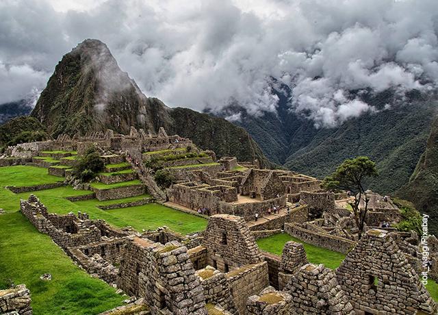 Foto de Machu Picchu, Perú, que ilustra los lugares más hermosos del mundo