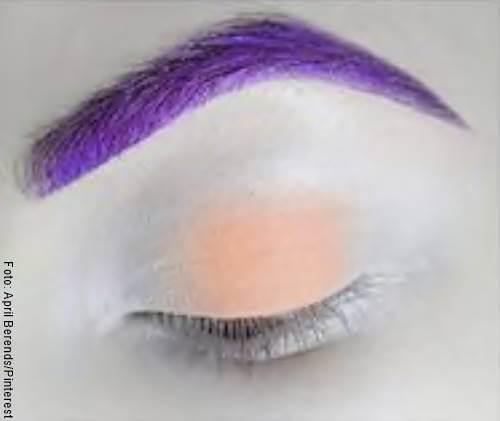 Foto de un ojo maquillado paso a paso