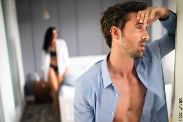 foto que ilustra a una pareja disgustada