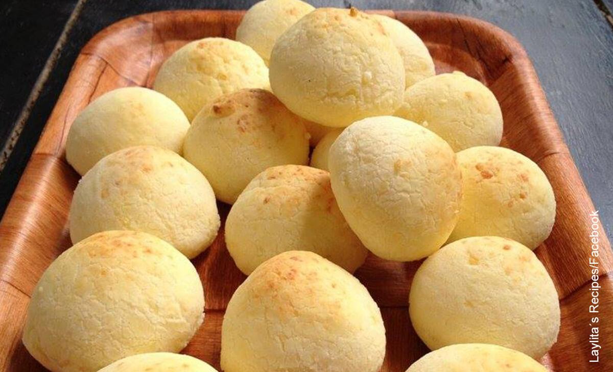 Foto de una casta llena de pan de yucas