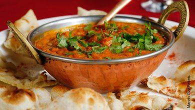 Foto de un bol de salsa de tomates que ilustra la salsa napolitana y su receta