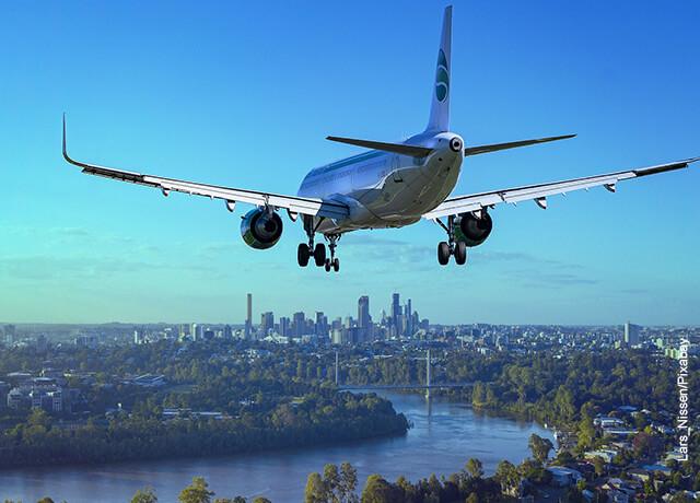 Foto de un avión aterrizando