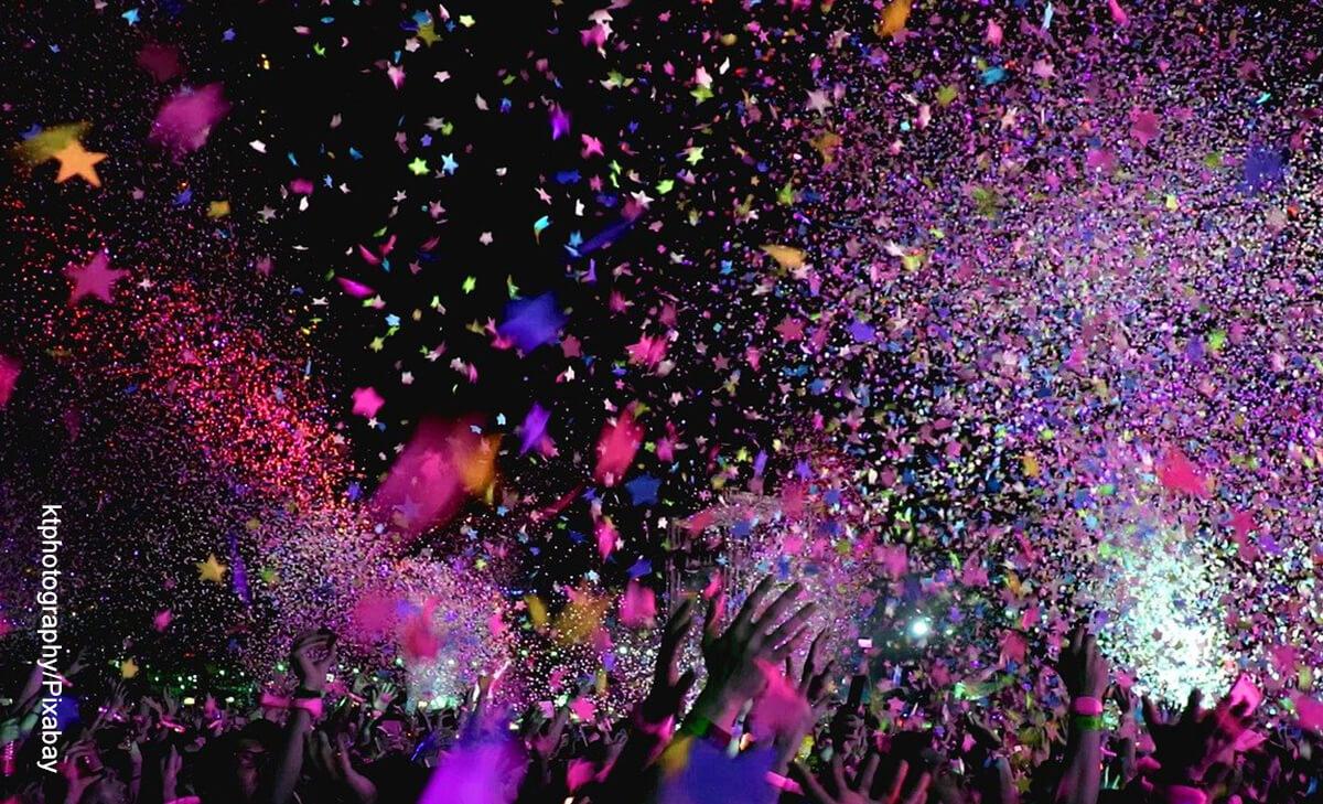 Foto de una discoteca que ilustra lo que es soñar con fiesta