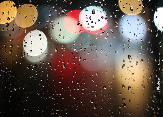 Foto de una ventana mojada