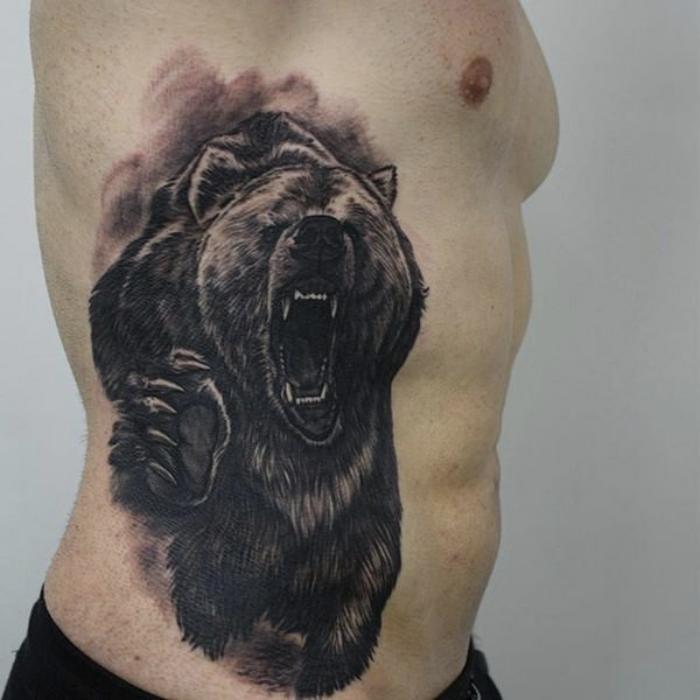 Foto de tatuaje de un oso