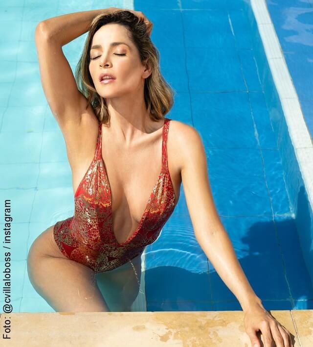 foto sensual de carmen villaobos en la piscina