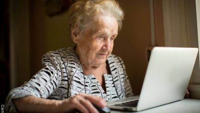 Abuela de 101 años busca trabajo y se hace famosa en redes