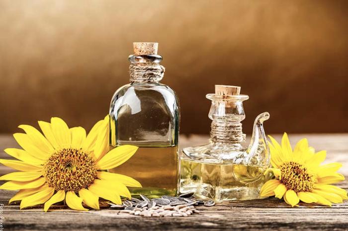 Foto de aceite de oliva y aceite de girasol