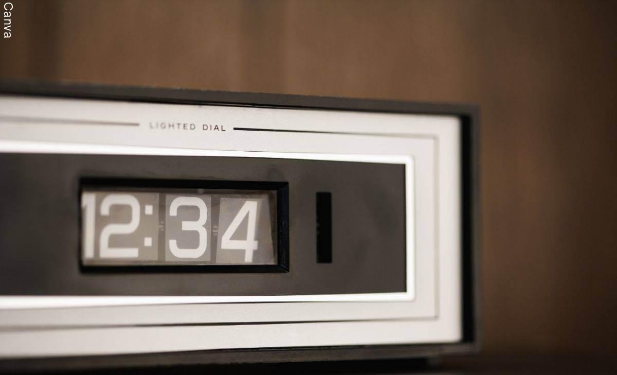 ¿Qué significa ver la hora 12:34? Esto dice la numerología