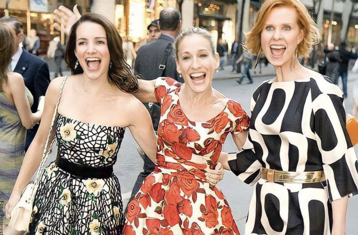 Foto de Sarah Jessica Parker (Carrie Bradshaw), Cynthia Nixon (Miranda Hobbes) y Kristin Davis (Charlotte York Goldenblatt)