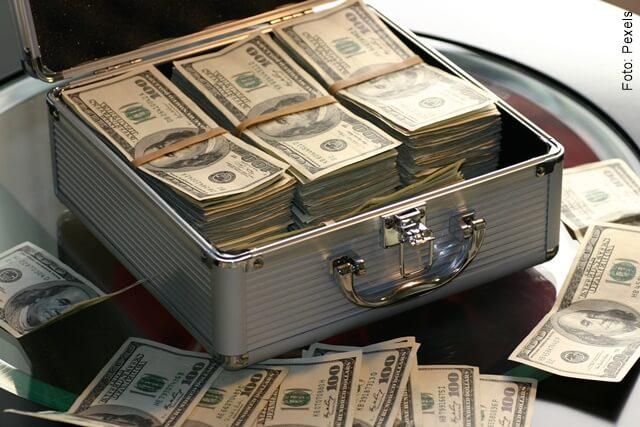 foto que ilustra billetes acumulados
