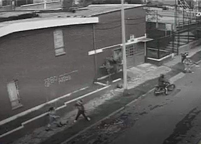 A escobazo limpio, aseadoras sacan a corren a ladrones