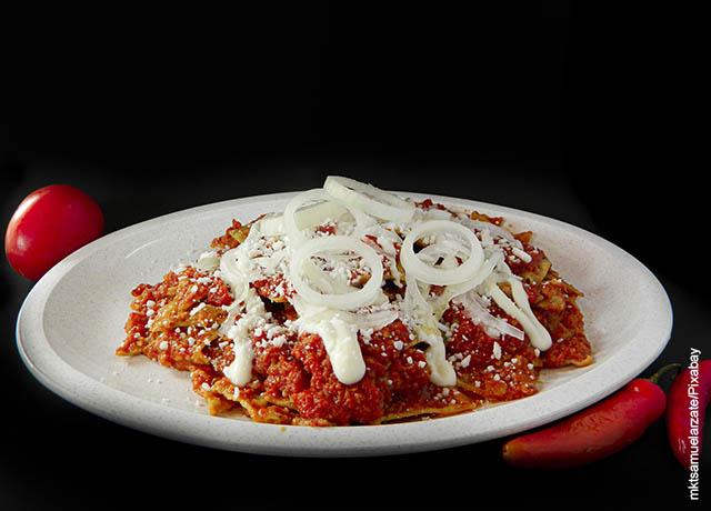 Foto de un plato de tortillas con tomates