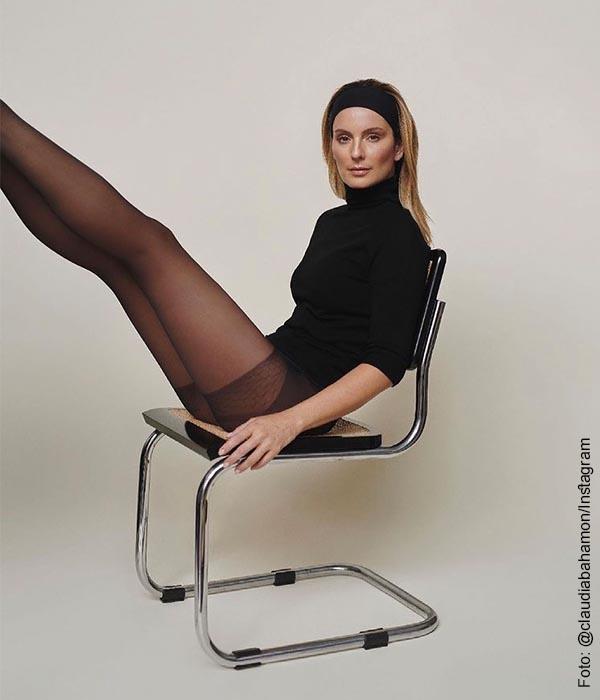"""Claudia Bahamón """"la mal sentada"""", exhibe sus lindas y largas piernas"""