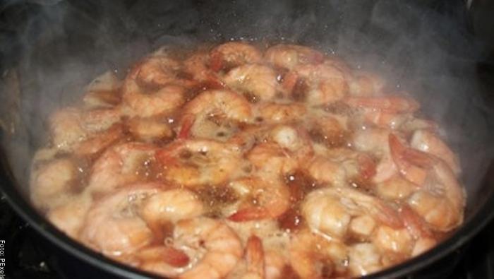 Foto de unos camarones cocinándose