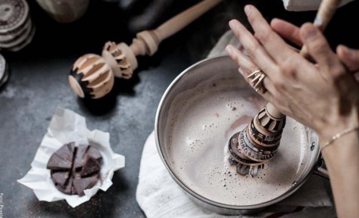 Foto de chocolate espumoso para ilustrar desayunos recetas