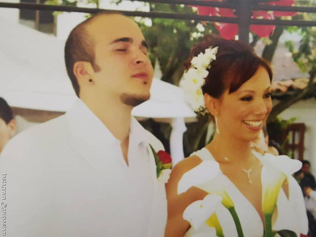 Foto del matrimonio hace 12 años entre Carlos y Carolina de Siam