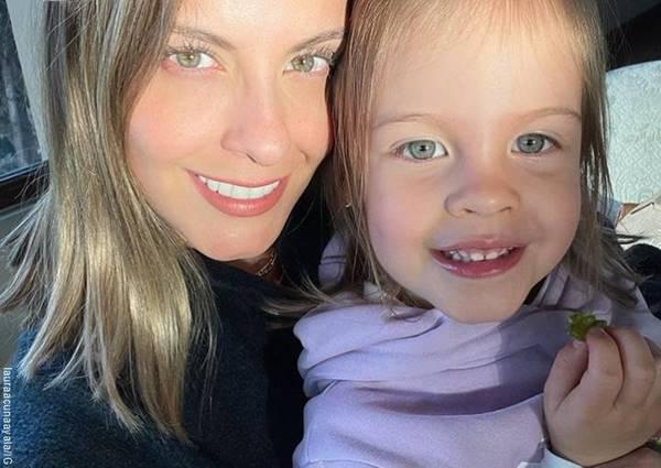 Foto de Laura Acuña y Helena, su hija