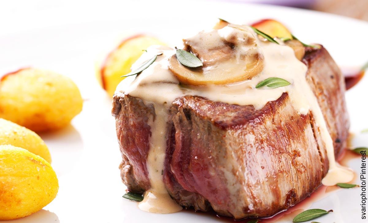 Foto de un trozo de carne que muestra el filet mignon con su receta original
