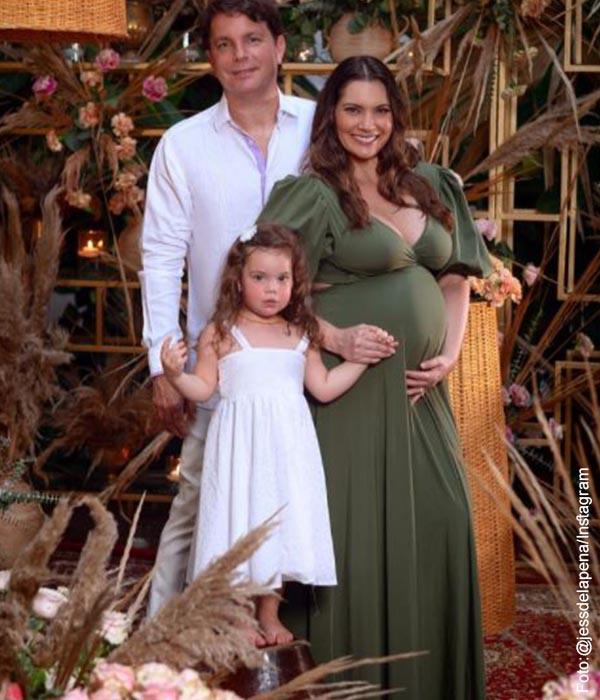 Jessica De La Peña mostró a su hijo en una foto llena de ternura