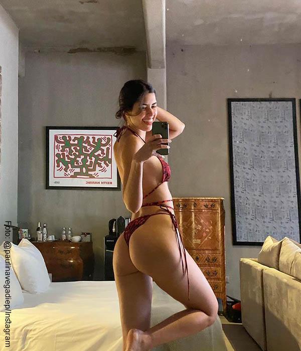 """Paulina Vega se mostró en diminuto bikini y fans alaban su """"durazno"""""""