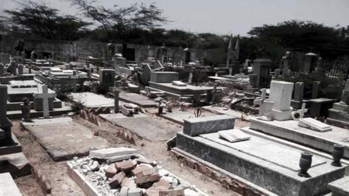 Foto de un tenebroso cementerio