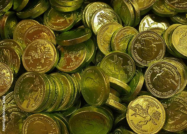 Foto de dinero que revela lo que es soñar con monedas