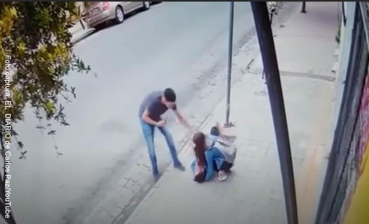 Videos mostrarían agresión de mujer a su novio, ¡hasta desmayarlo!