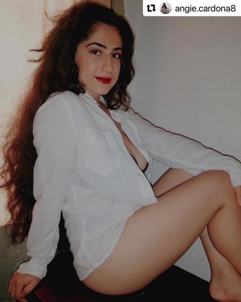 Angie Cardona, hija de Marbelle, en provocativa foto presumiendo sus piernas.