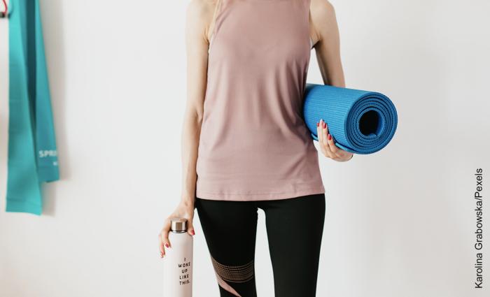 Foto de ejercicios para bajar de peso en casa
