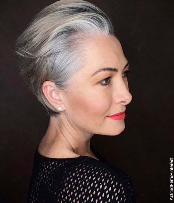 Foto de una mujer adulta posando que muestra los cortes de cabello corto