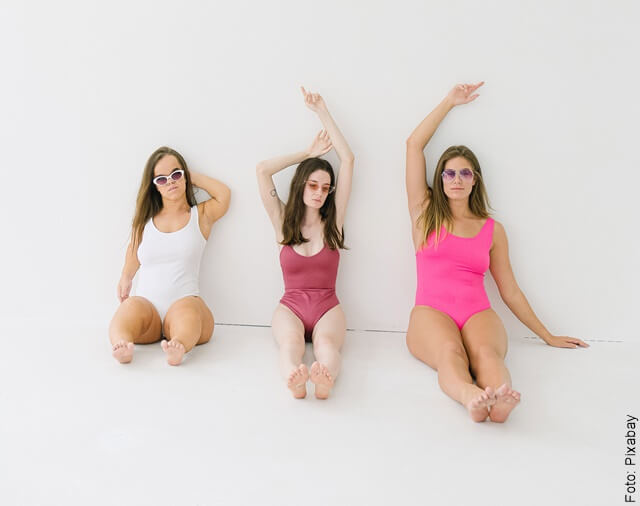 foto de mujeres de diferentes estaturas