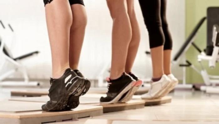 Foto de ejercicios para moldear las pantorrillas
