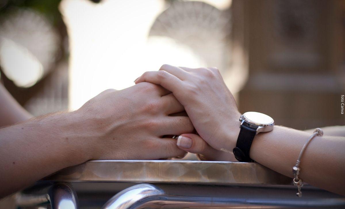 Mujer se separó de su esposo y se casó son su suegro