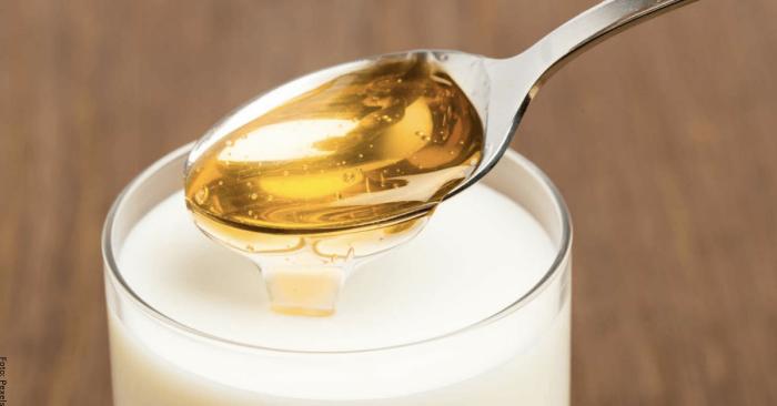 Foto de toronjil con leche y miel