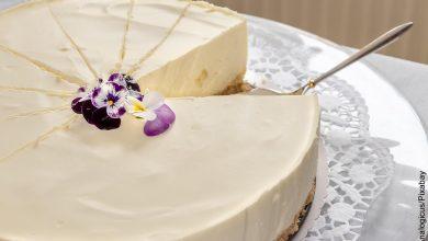 Foto de una torta helada que muestra las recetas con crema de leche