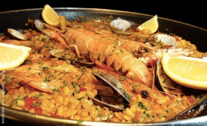 Foto de paella de mariscos