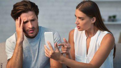 Revisar el celular a la pareja va contra la intimidad. Sentencia reconoce legítima defensa