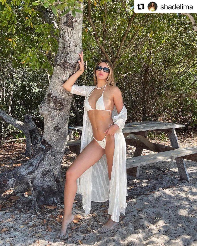 Shannon de Lima en ardiente bikini.