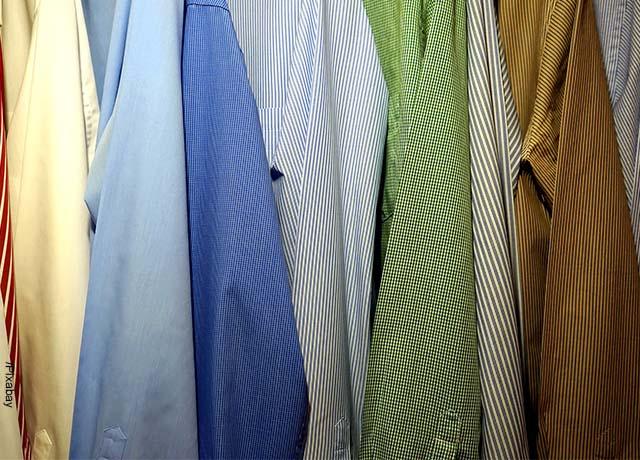 Foto de camisas de hombre de colores llamativos