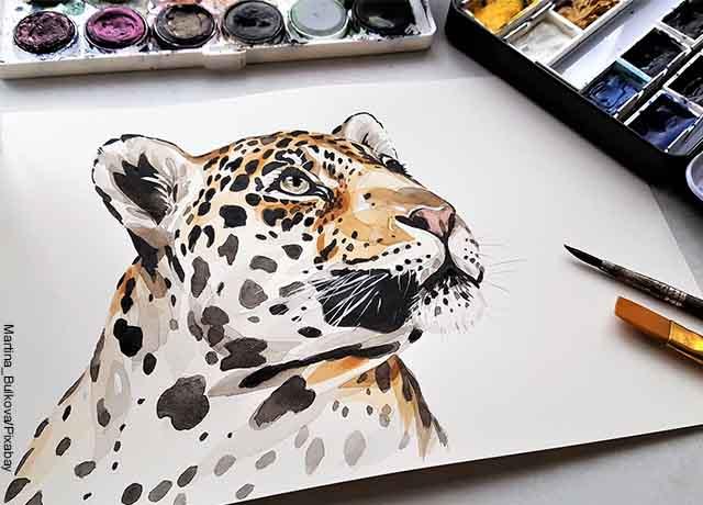 Foto de un jaguar pintado con color café
