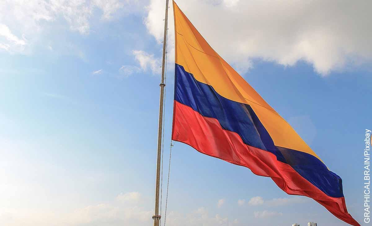 El verdadero significado de poner la bandera de Colombia al revés