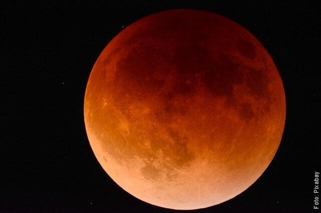 foto de la luna de sangre
