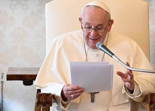 """Papa Francisco defiende """"el derecho a manifestarse pacíficamente"""""""