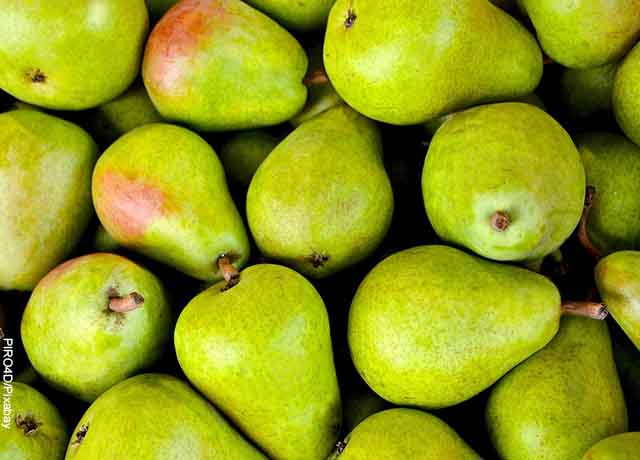 Foto de muchas peras verdes