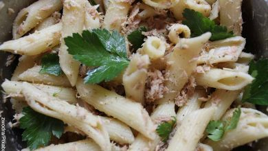 Foto de un plato de pasta con atún con su receta tradicional