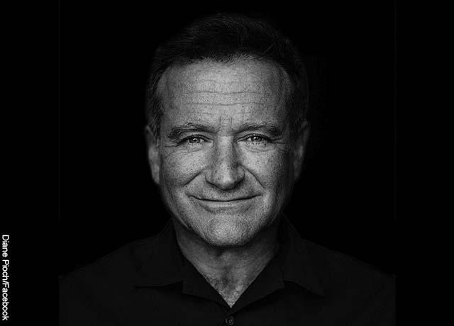 Foto del rostro del actor Robin Williams